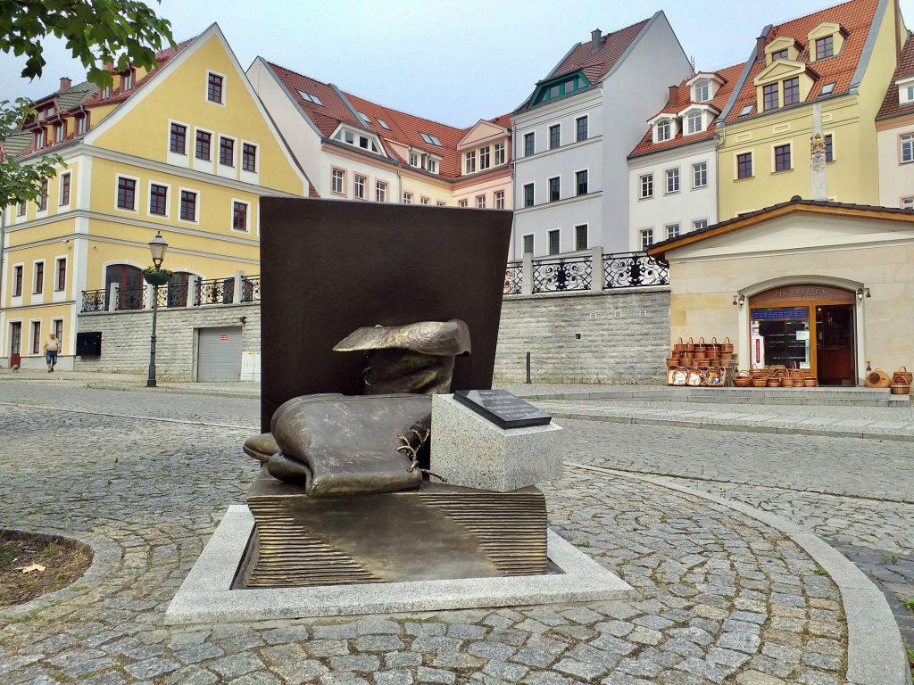 Pomnik pamięci Jakuba Böhme na nowym miejscu